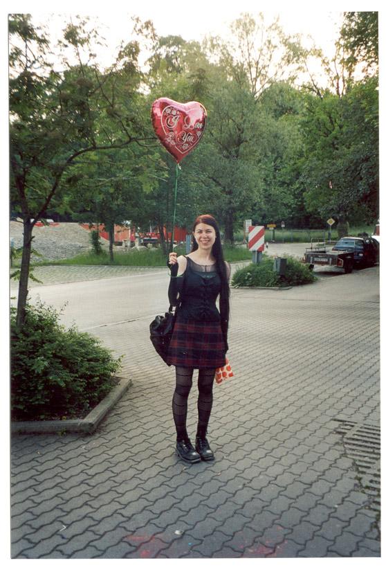 http://antihelios.de/indexhibit-photo/files/gimgs/126_2003-balloon.jpg